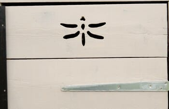 décoration armoire de jardin