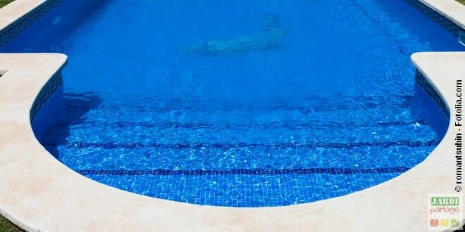 Escalier de piscine roman