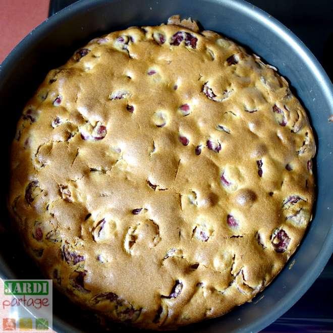 Gâteau Aux Cerises Moelleux: Une Recette Facile