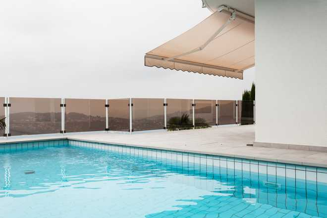 store banne pour piscine